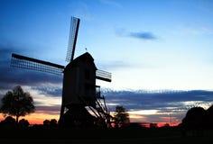 Molino de viento viejo cerca de Roermond imagen de archivo libre de regalías
