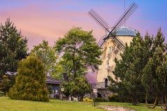 Molino de viento viejo de la torre Fotografía de archivo
