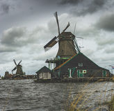 Molino de viento viejo holandés Foto de archivo