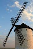 Molino de viento y cielo Foto de archivo libre de regalías