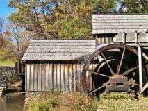 Molino histórico de Mabry en Ridge Parkway azul fotografía de archivo