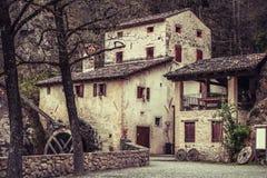 Molino viejo de Croda del della de Molinetto en Italia Fotos de archivo