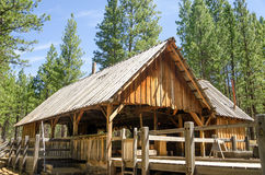 Molino viejo de la madera de construcción fotos de archivo libres de regalías