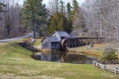 Molino y Ridge Parkway azul, Virginia de Mabry imagen de archivo libre de regalías