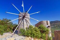 Molinoes de viento antiguos de la meseta de Lasithi Fotografía de archivo libre de regalías
