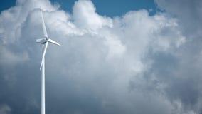 Molinoes de viento con el cielo azul en fondo Imágenes de archivo libres de regalías