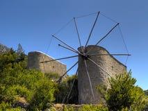 Molinoes de viento del Cretan fotos de archivo libres de regalías