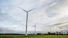 Molinoes de viento del poder en la Alemania 4K almacen de metraje de vídeo