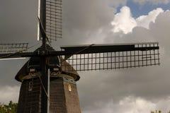 Molinoes de viento del queso Edam Fotos de archivo libres de regalías