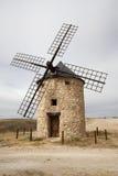 Molinoes de viento en Belmonte, Cuenca, España Fotos de archivo libres de regalías