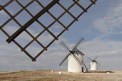 Molinoes de viento en Campo de Criptana, Ciudad verdadero, España Imagenes de archivo