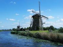 Molinoes de viento en Kinderdijk. Fotos de archivo libres de regalías