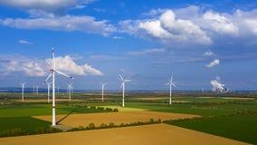 Molinoes de viento en la opini?n del birdseye, Alemania metrajes