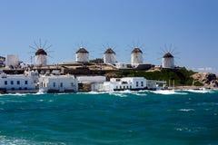 Molinoes de viento en Mykonos, Grecia Fotografía de archivo