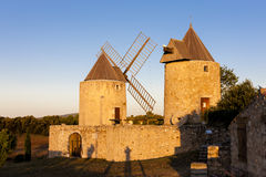 Molinoes de viento en Regusse Fotos de archivo libres de regalías