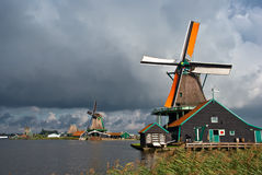 Molinoes de viento en Zaanse Schans Foto de archivo libre de regalías