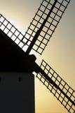 Molinoes de viento, energía eólica, Nocturnal Campo de Criptana, Ciudad Real foto de archivo libre de regalías