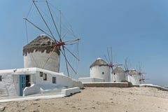 Molinoes de viento famosos en la isla de Mykonos, Grecia Imagenes de archivo