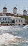 Molinoes de viento griegos en Mykanos Fotografía de archivo