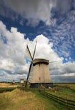 Molinoes de viento holandeses imagen de archivo libre de regalías