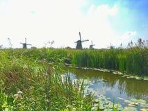 Molinoes de viento; Kinderdijk, Holanda imagen de archivo