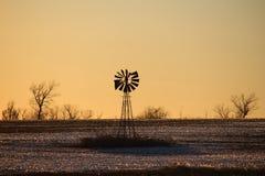 Molinoes de viento, más allá de presente y futuro Fotos de archivo