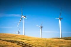 Molinoes de viento para la producción de Electric Power imagenes de archivo