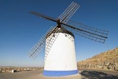 Molinoes de viento tradicionales en España Imagen de archivo libre de regalías