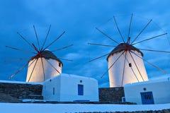 Molinoes de viento tradicionales en la isla de Mykonos Fotografía de archivo libre de regalías