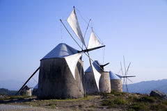 Molinoes de viento viejos, Penacova, Portugal Fotos de archivo libres de regalías