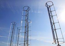 Molinoes de viento y red eléctrica Fotografía de archivo libre de regalías