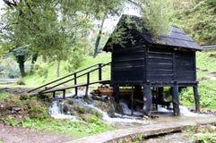 Molinos de agua de madera viejos, Jajce en Bosnia y Herzegovina Foto de archivo libre de regalías