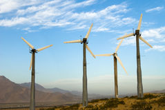 Molinos de la energía eólica Fotos de archivo libres de regalías