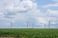 Molinos de viento en una zona rural de Indiana apagado del sixity cinco de la ruta Fotografía de archivo