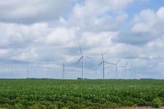 Molinos de viento en una zona rural de Indiana apagado del sixity cinco de la ruta Fotografía de archivo libre de regalías