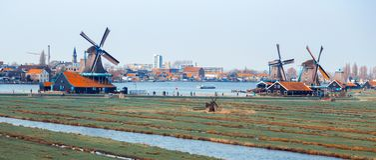 Molinos de viento en Zaanse Schans Fotos de archivo