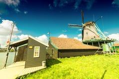 Molinos de viento en Zaanse Schans, Netherland holanda Imágenes de archivo libres de regalías