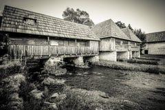 Molinos en el río Gacka Imagenes de archivo