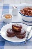 Mollete del chocolate con mantequilla de cacahuete Imagenes de archivo