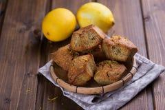 Molletes con el limón Imágenes de archivo libres de regalías