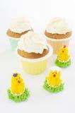 Molletes y pollos de Pascua Imágenes de archivo libres de regalías