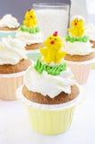 Molletes y pollos de Pascua Foto de archivo