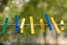 Mollette da bucato colorate Fotografie Stock Libere da Diritti