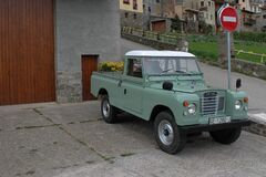 classic car 4x4 Land Rover
