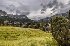 Moln över Cortina d'Ampezzo Royaltyfri Fotografi
