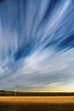 Moln över flygfält Arkivfoto