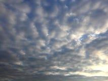 Moln över laken Royaltyfria Foton
