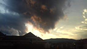 Moln, blå himmel och vind Royaltyfri Bild