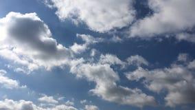 Moln bl? bakgrund f?r himmel Himmel och sol f?r moln bl? arkivfilmer