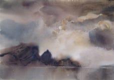 Moln dimma över sjön, vattenfärg Arkivbild
